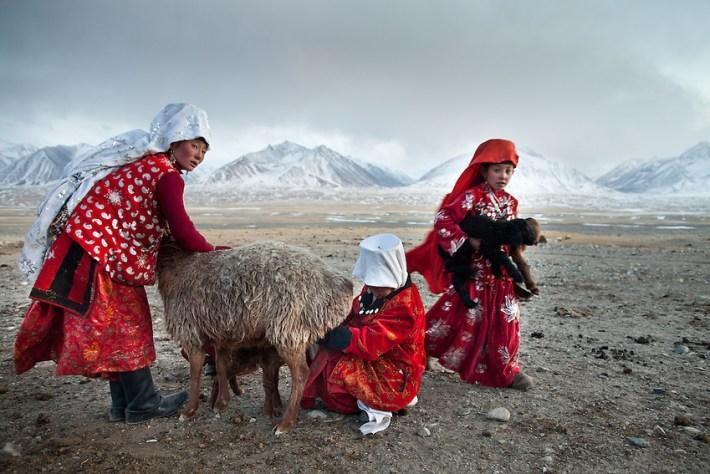 Afbeeldingsresultaat voor kyrgyz people afghanistan