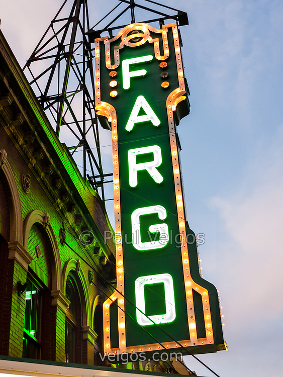 Fargo Theatre Marquee At Night Photo Buy Canvas Prints Large Wall Art And Stock Photos