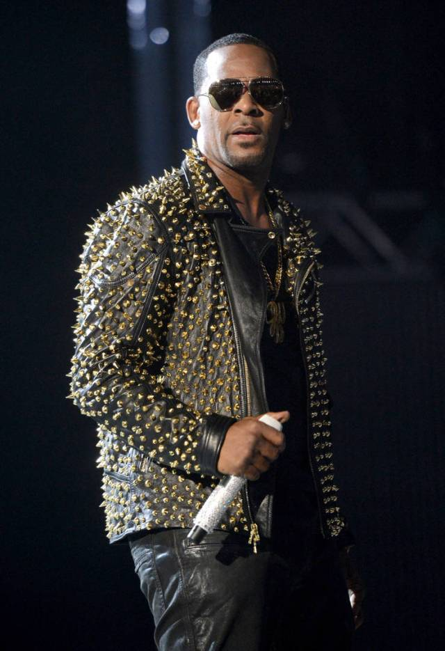 """""""Surviving R. Kelly"""" Accusers Detail Extent Of His Abuse: Sex Tapes & Instructions"""