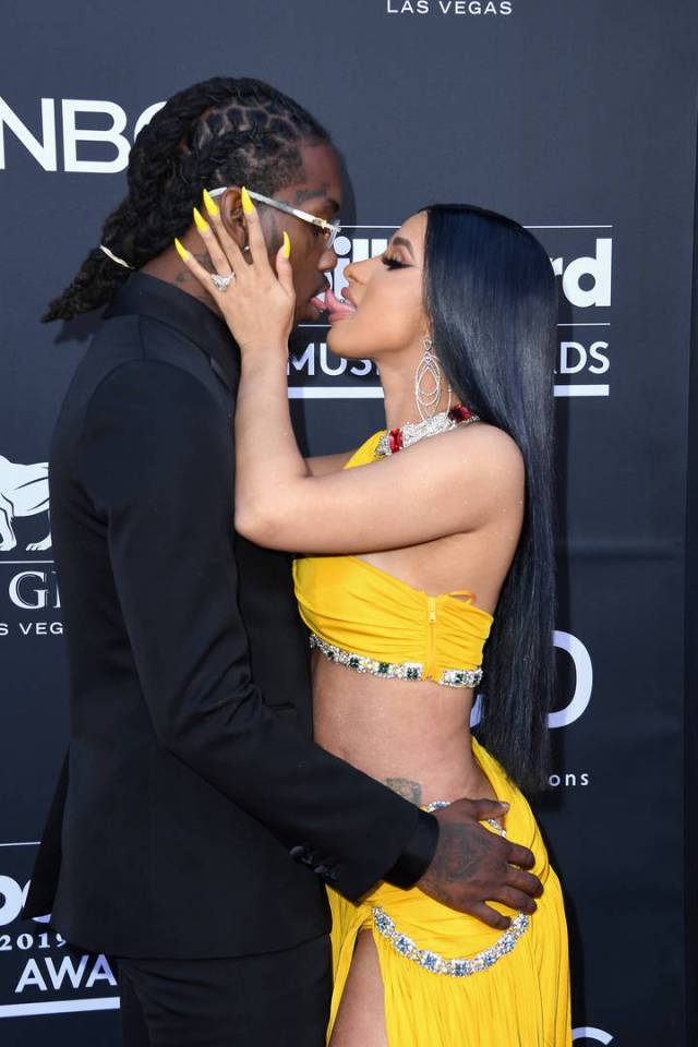 Cardi B Strips Down & Gives PSA About Her Goodies Following Red Carpet Make Out With  Offset