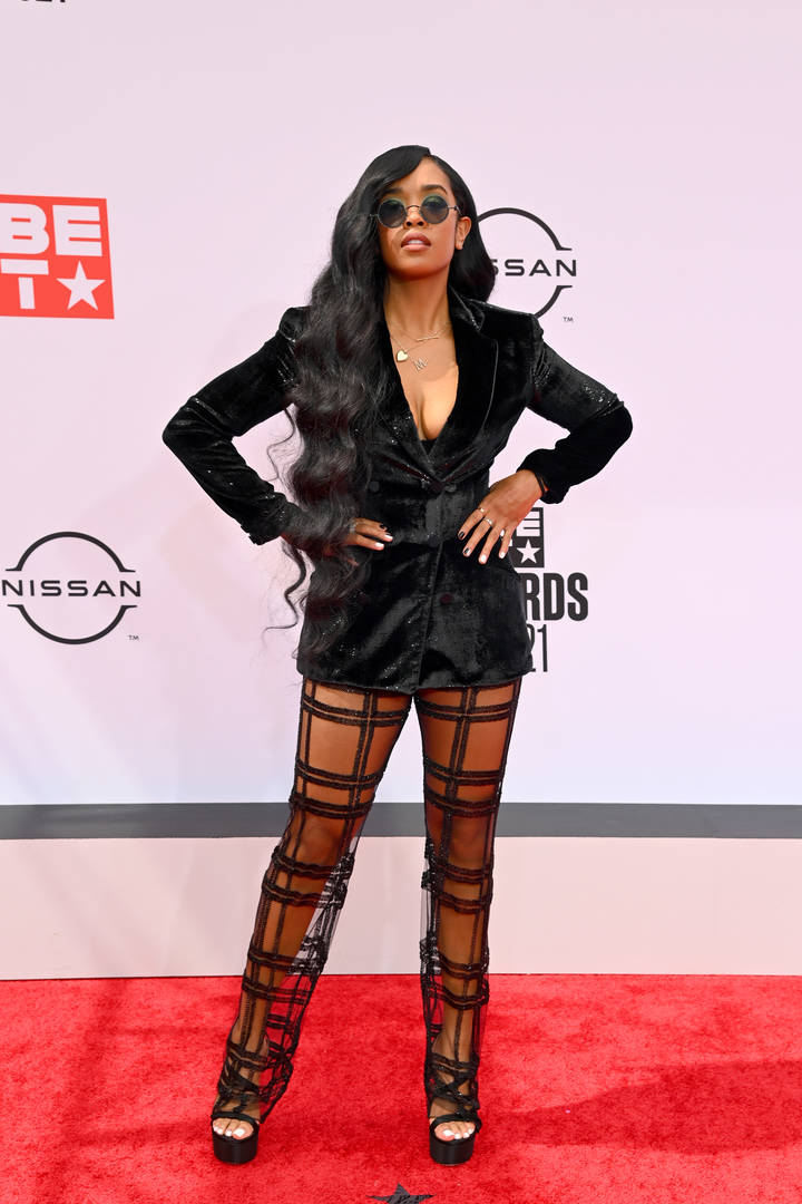 H.E.R. attends the BET Awards 2021 at Microsoft Theater on June 27, 2021 in Los Angeles, California.