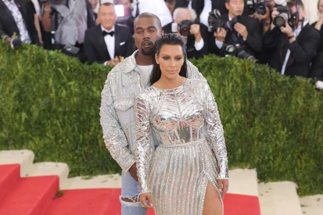 Kanye West and Kim Kardashian attend the 'Manus x Machina: Fashion In An Age Of Technology' Costume Institute Gala at Metropolitan Museum of Art on May 2, 2016 in New York City