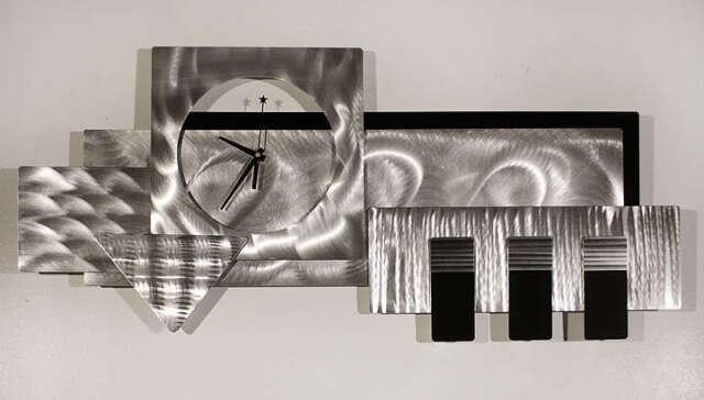 Large Silver/black 3d Wall Clock