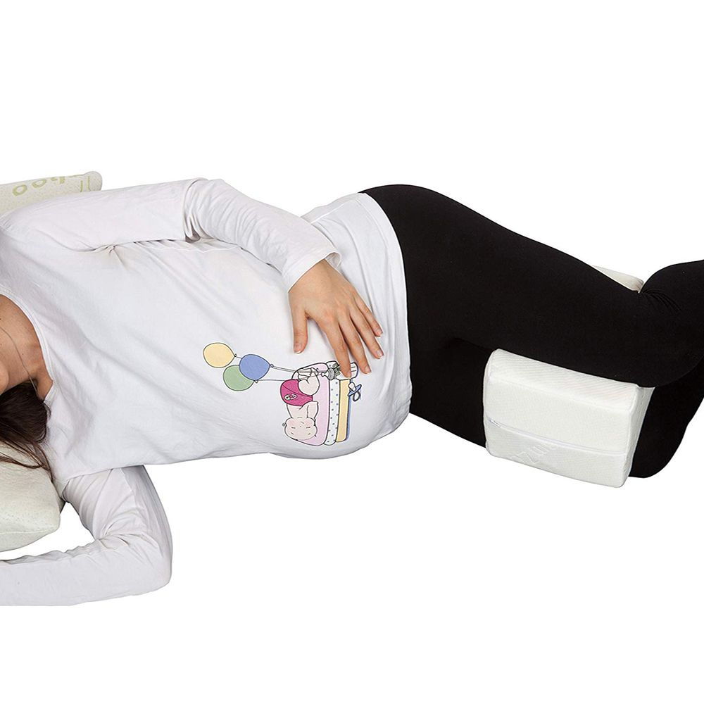 sleeplabs hourglass contoured memory foam knee pillow