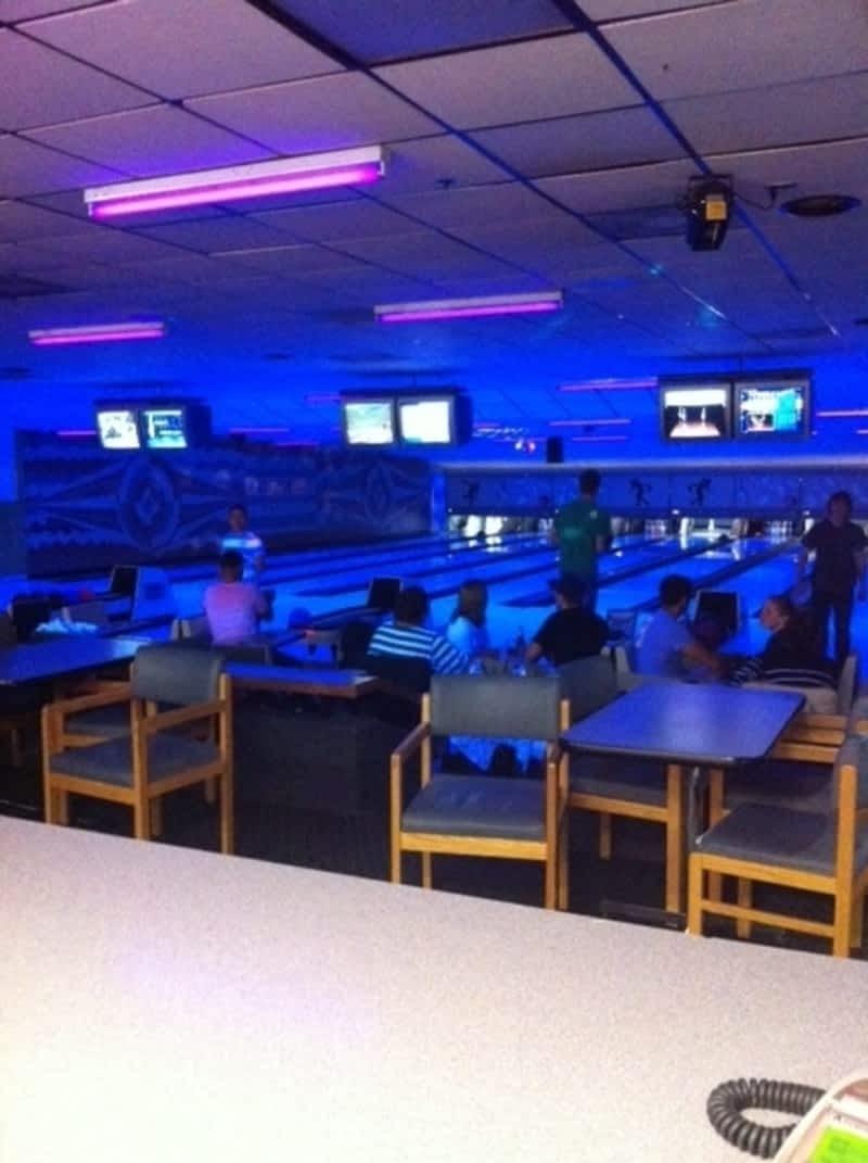Laverendrye Bowling Lanes Winnipeg MB 614 Rue Des