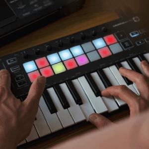 MIDI鍵盤/合成器