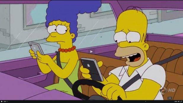 Smartphone homer 1024x575 Los Simpson y las redes sociales desde una perspectiva sociológica