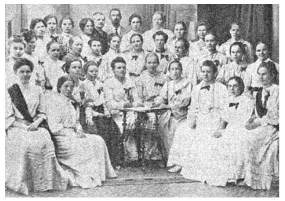 Un grupo de costureras finlandesas