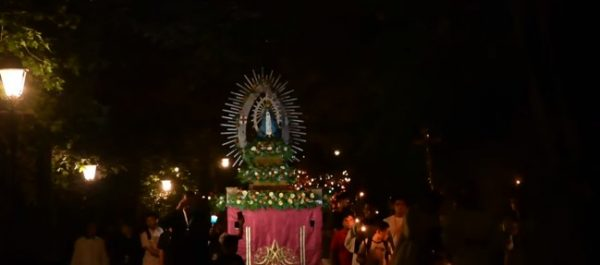 IVEMeeting_rosaryprocession_04