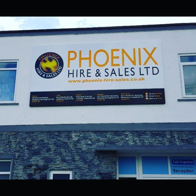 Large 4 metre by 2 metre tray sign – designed, produced and installed for Phoenix Hire & Sales Ltd