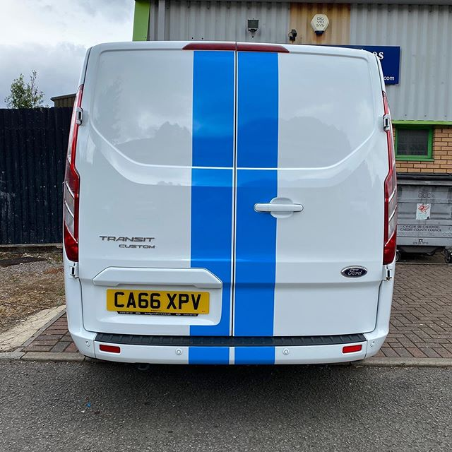 Vehicle livery last week for AJL Window Cleaning including bonnet and rear stripes 🔥