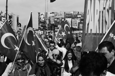 Es geht nicht mehr alleine um den Gezi-Park: Demonstriert wird jetzt gegen nahezu alles, wofür Erdogans Regierung steht