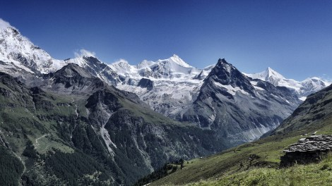 Col de Sorebois: Blick über das Val de Zinal mit Weißhorn und Co.