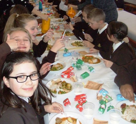 Children's Christmas Lunch 2015[6]