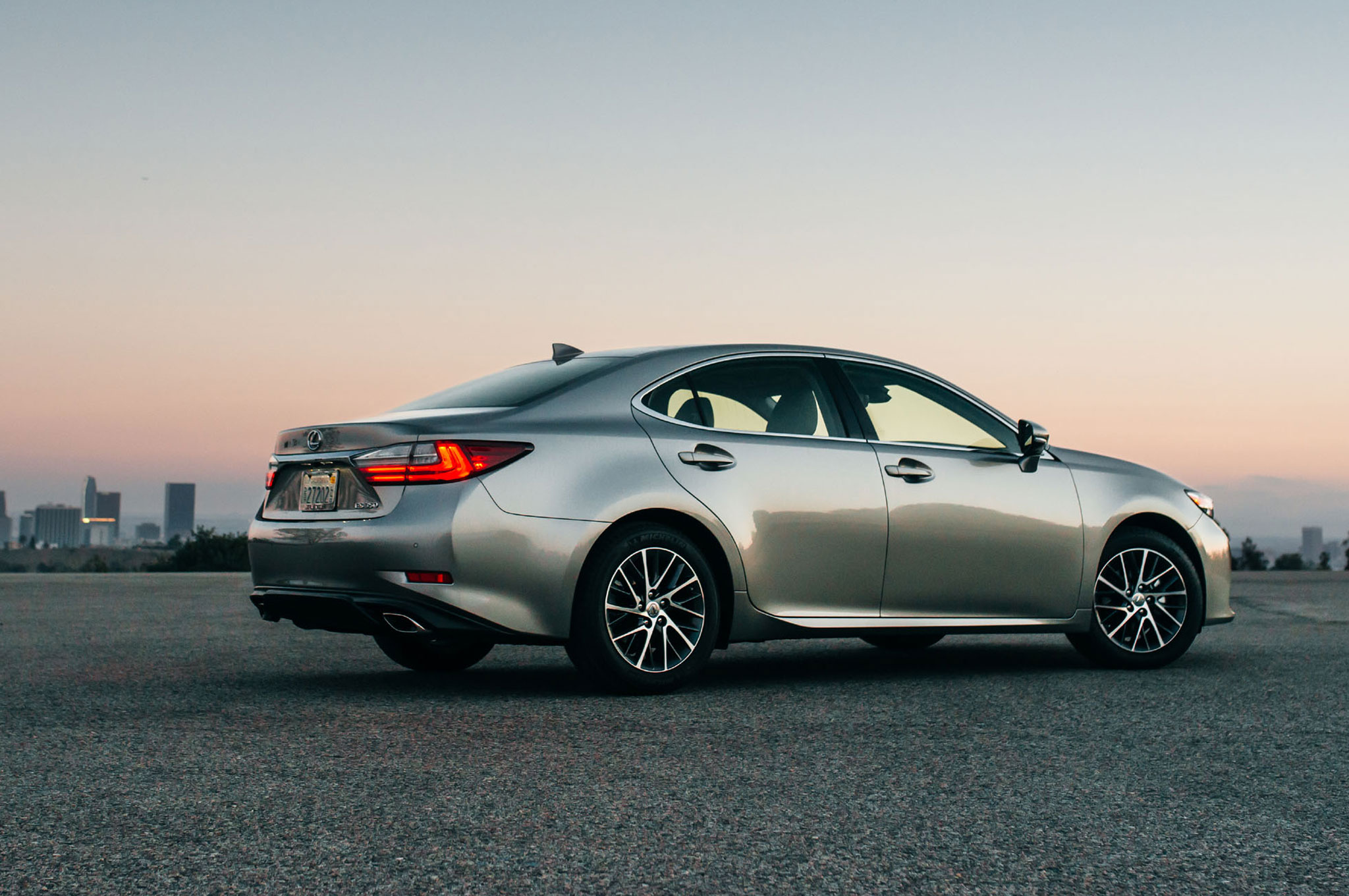 2016 Lexus ES 350 ES 300h Updated with New Look Safety Features