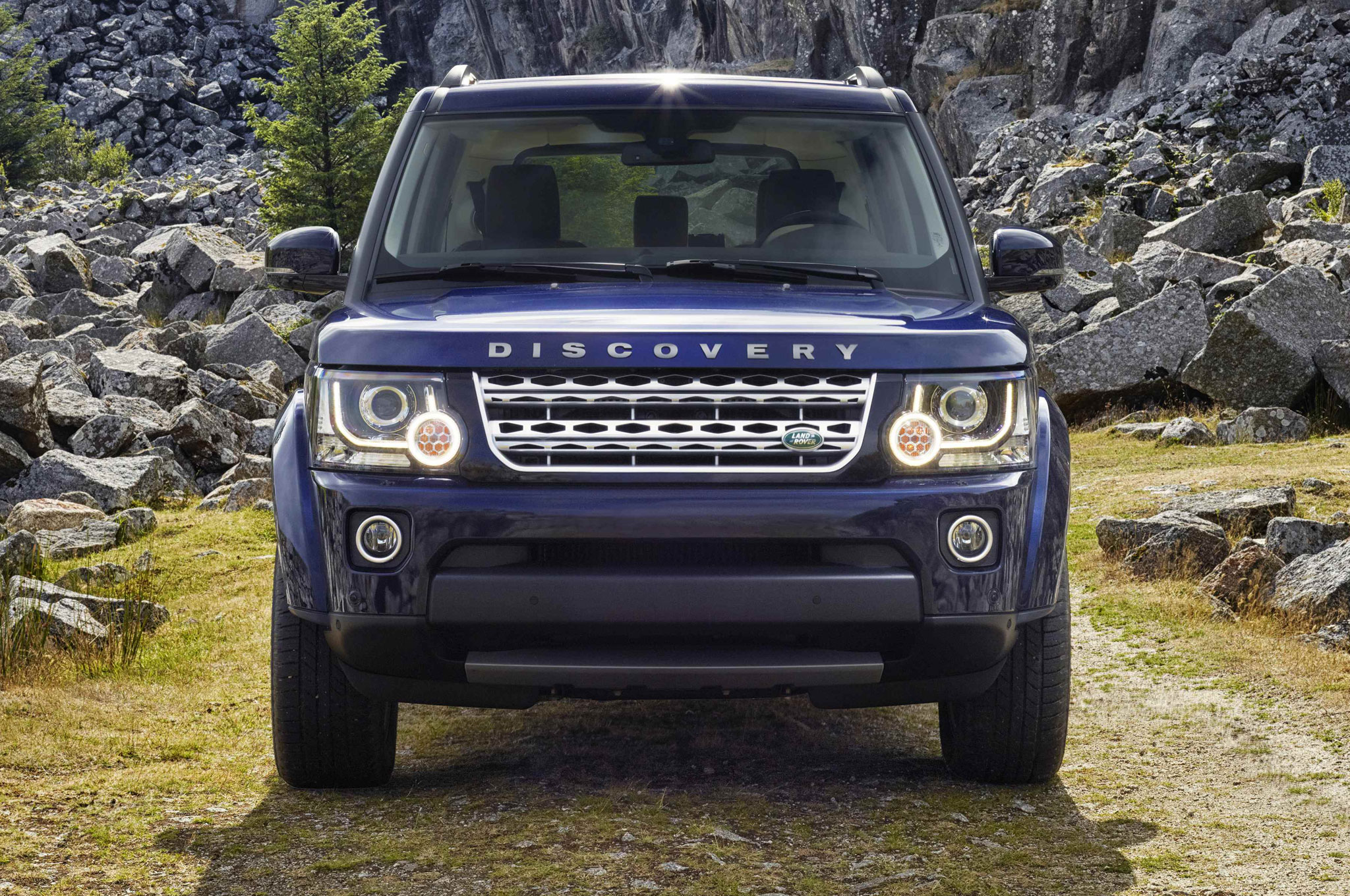 2014 Land Rover LR4 Gets Supercharged V 6 Eight Speed Automatic