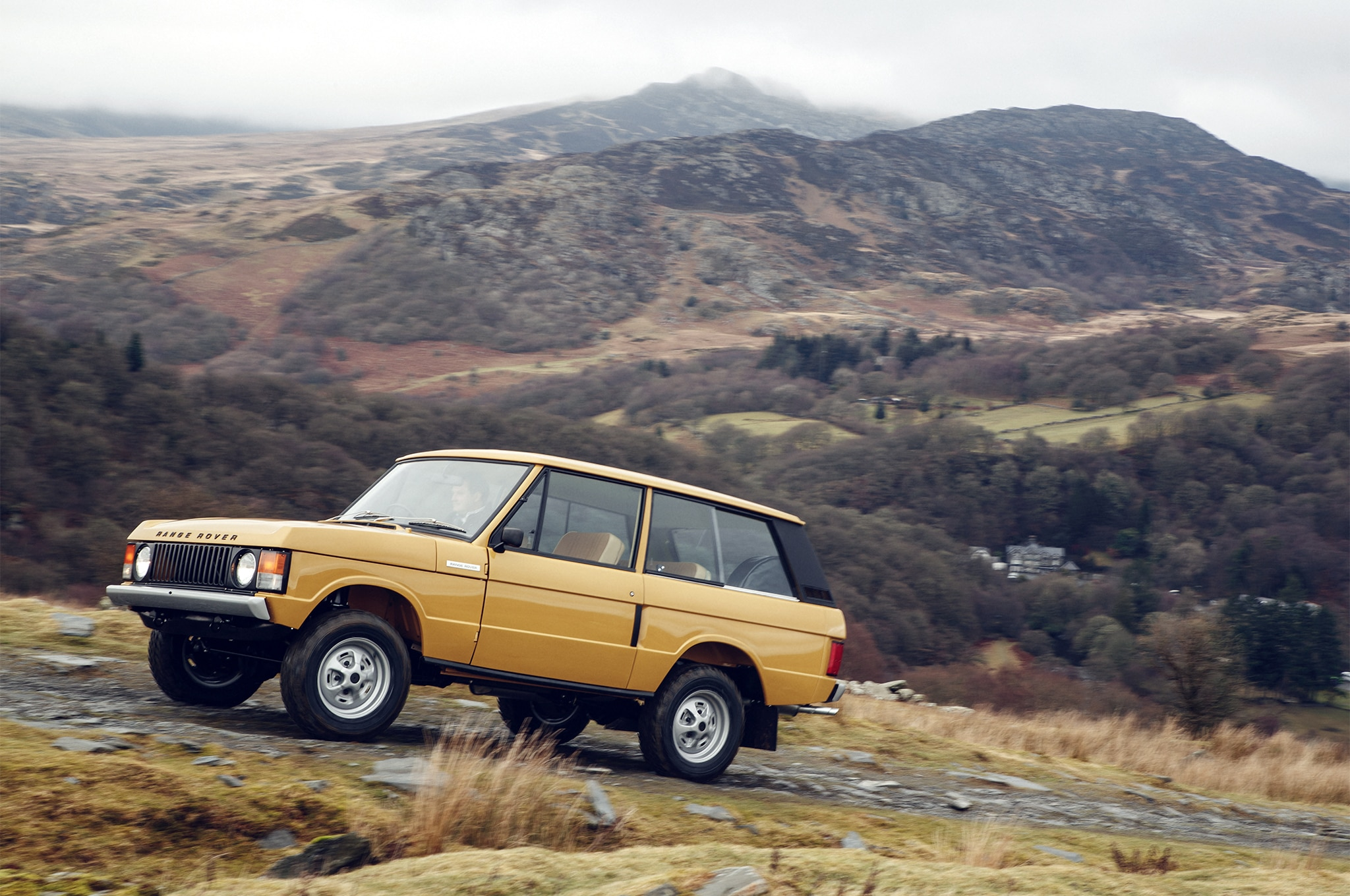 "Land Rover Launches ""Reborn"" Program for Range Rover Classic"