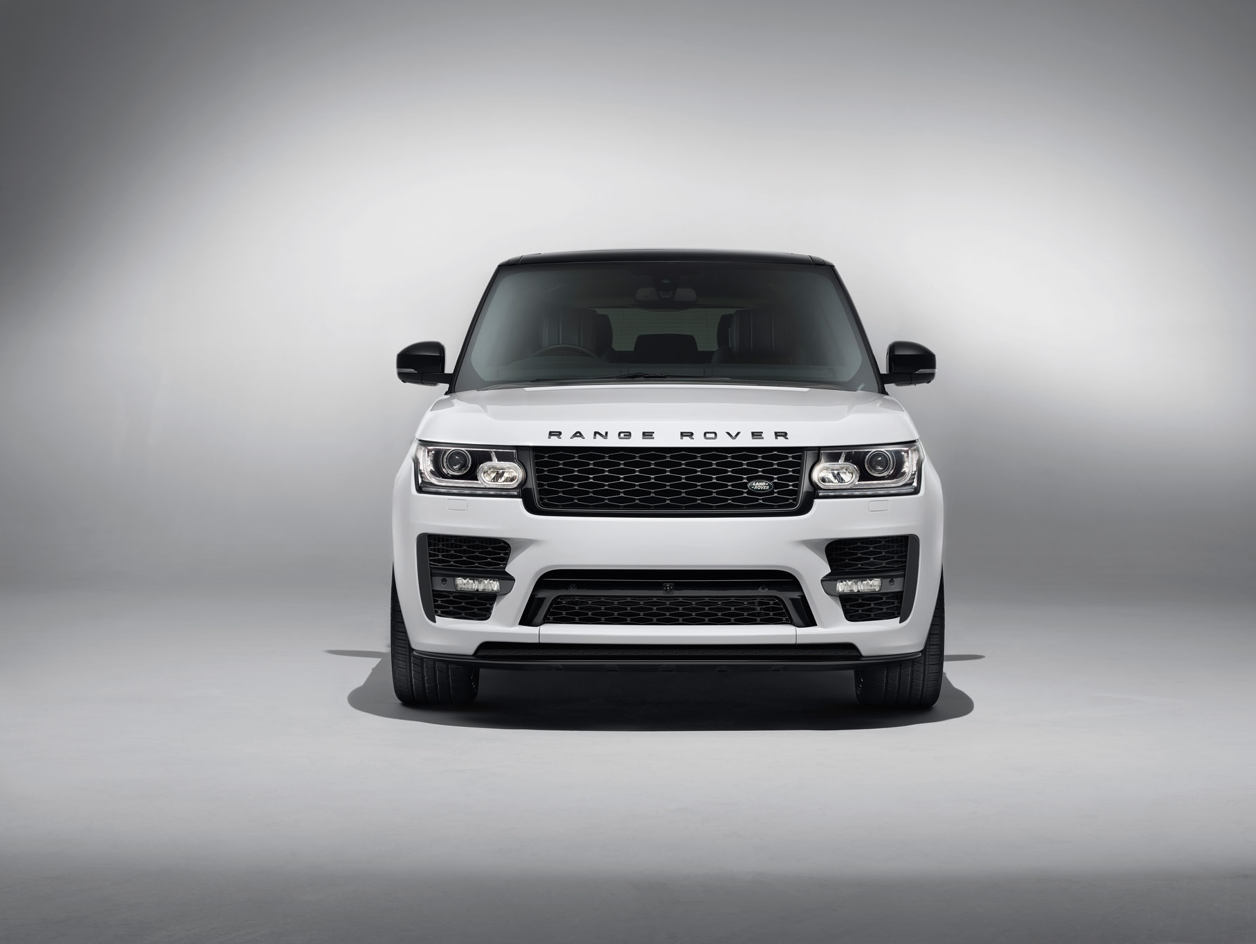 Range Rover fers Customers New SVO Design Pack