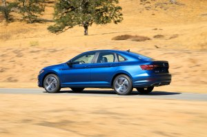 2019 Volkswagen Jetta Keeps the Manual Alive at 2018