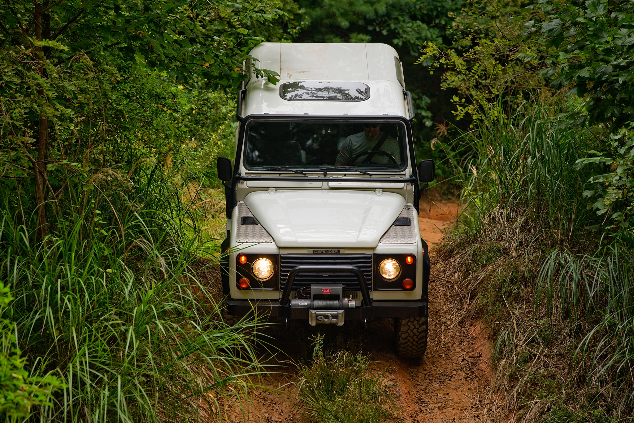 Land Rover fers f Road Driving Lessons in the Defender