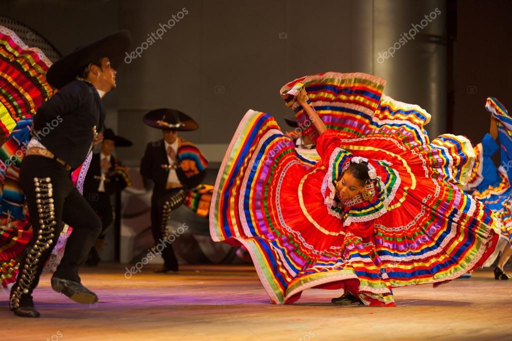 Beautiful Holiday Folklorico Dancers Showcase Mexico At Epcot