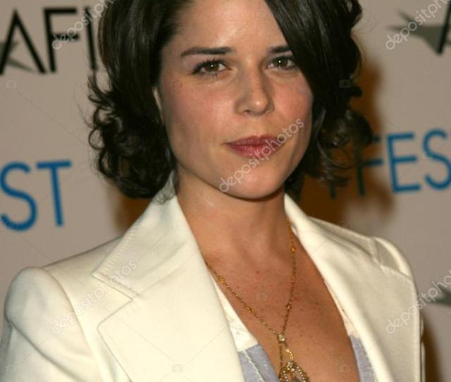 Neve Campbell Fotos De Stock