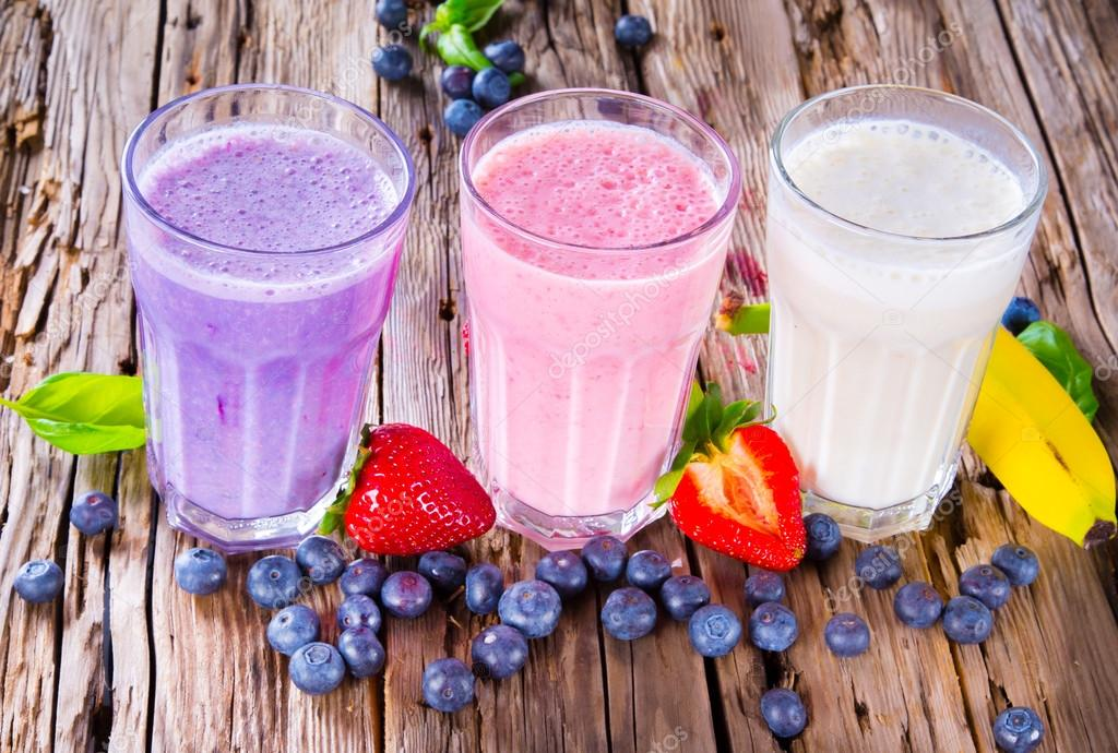 Top 10 Healthiest Snacks You Can Eat: Protein shakes with fruits