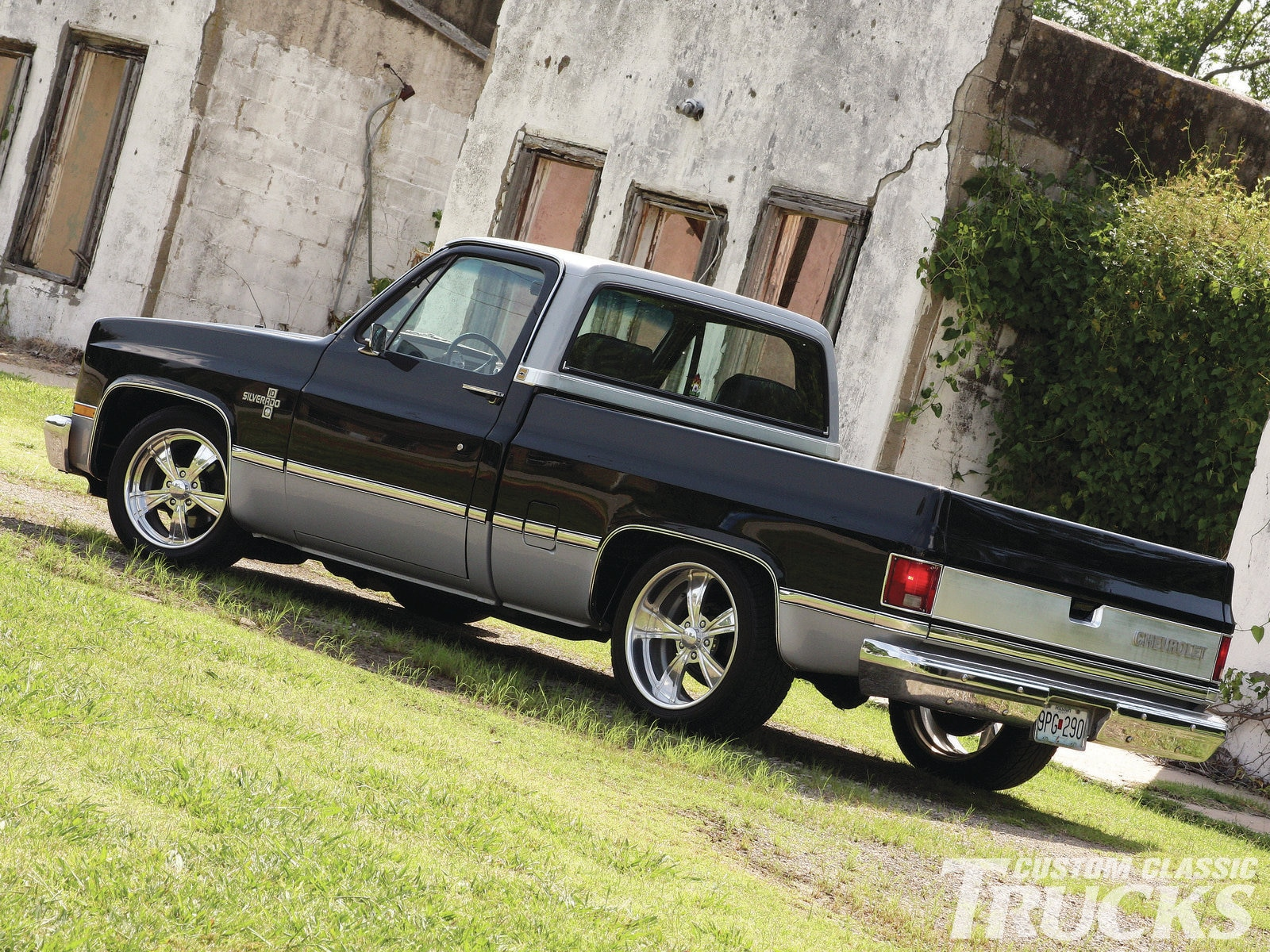 Cozy Chevy C10 Truly Intense Busted Knuckles