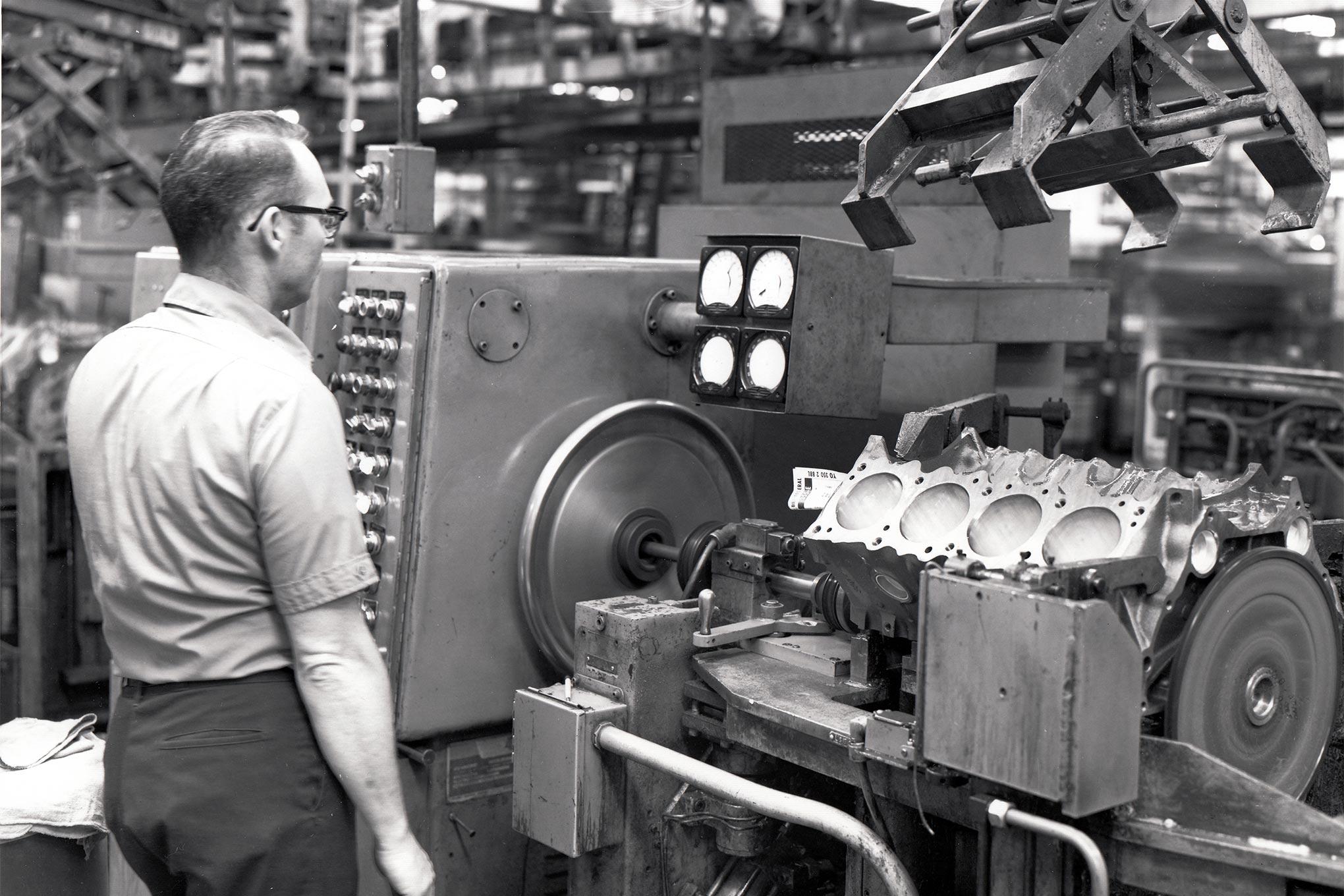 Blocks 1961 Pontiac Engine