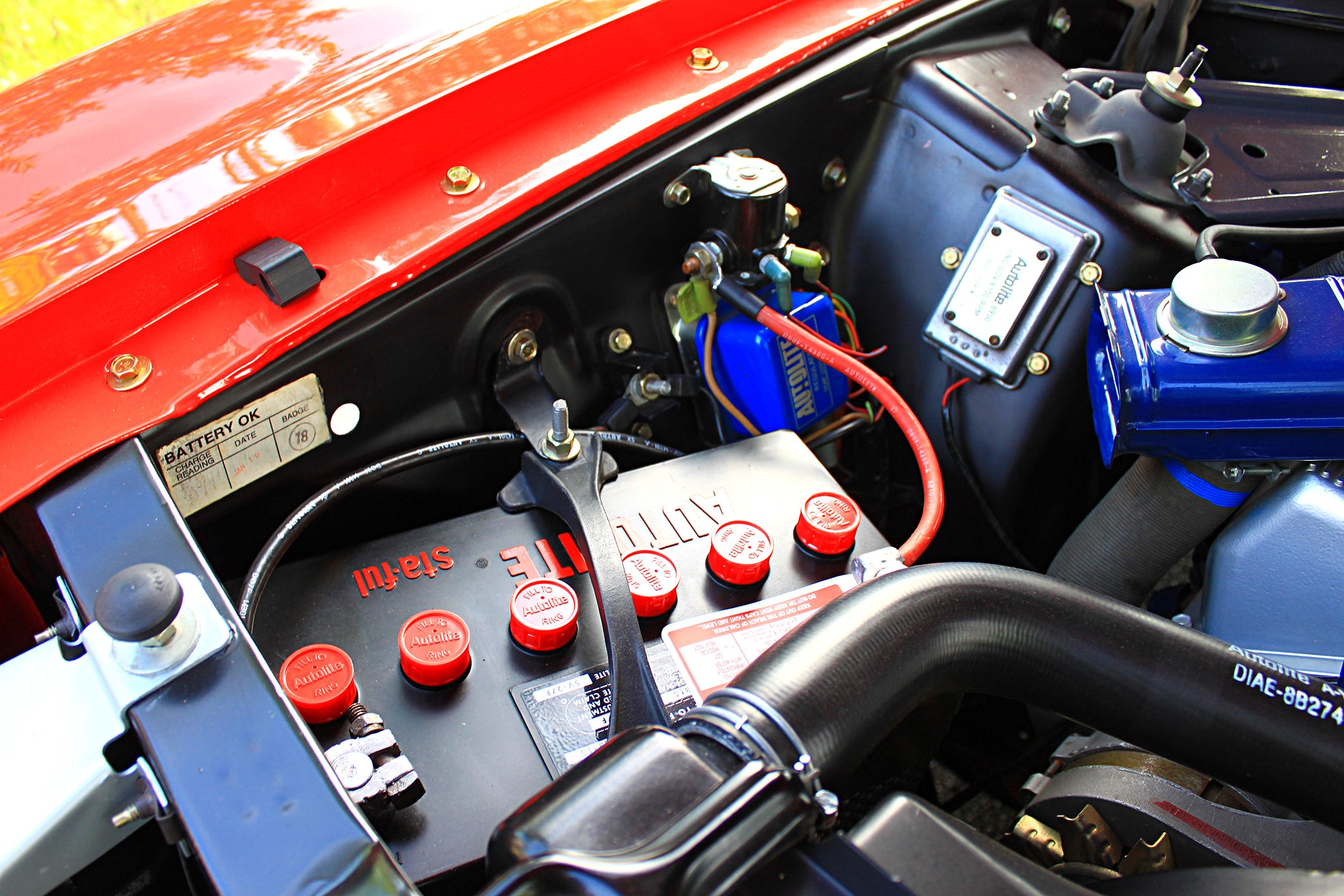 18 1971 ford mustang boss 351 red battery