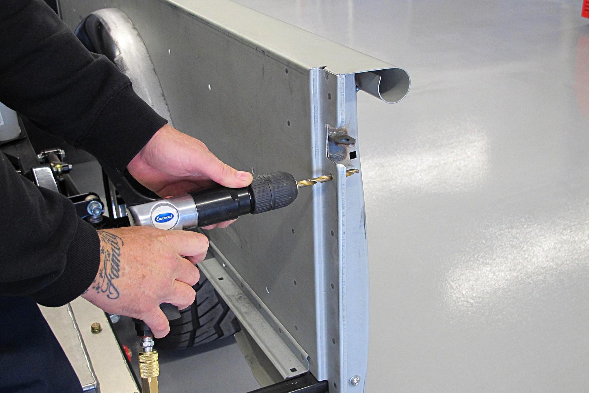 04-CLTP-170100-chevy-stepside-hidden-tailgate-latch-install.JPG