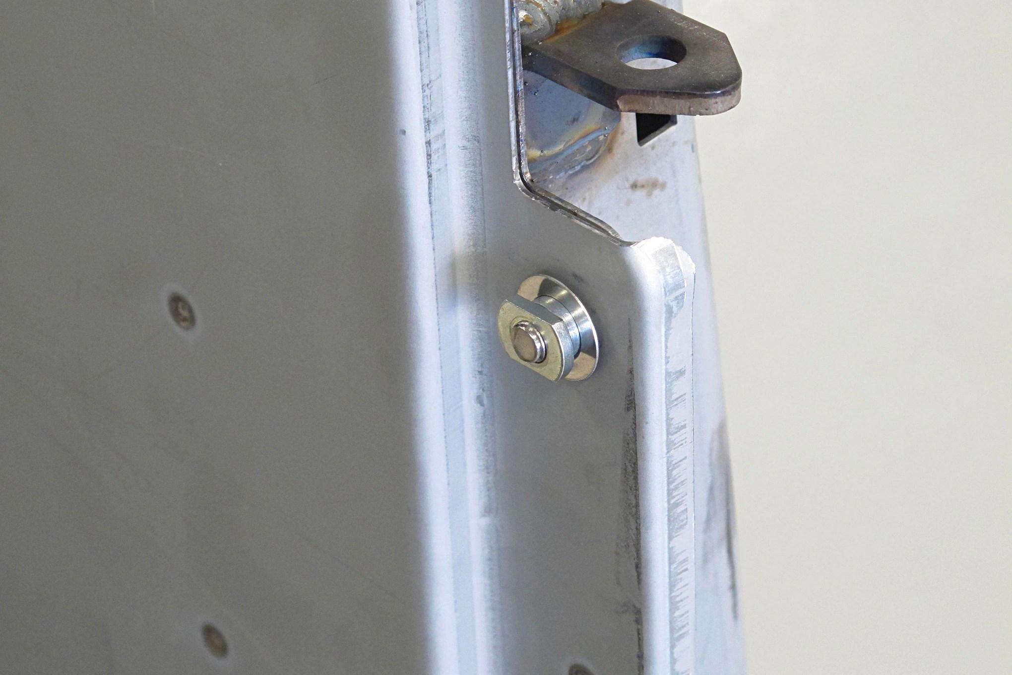 05-CLTP-170100-chevy-stepside-hidden-tailgate-latch-install.JPG