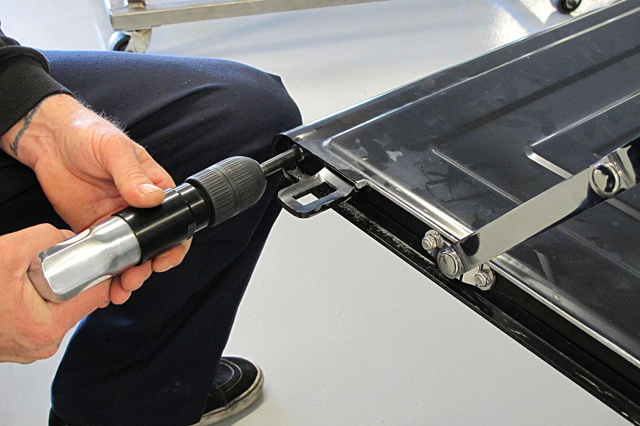 15-CLTP-170100-chevy-stepside-hidden-tailgate-latch-install.JPG