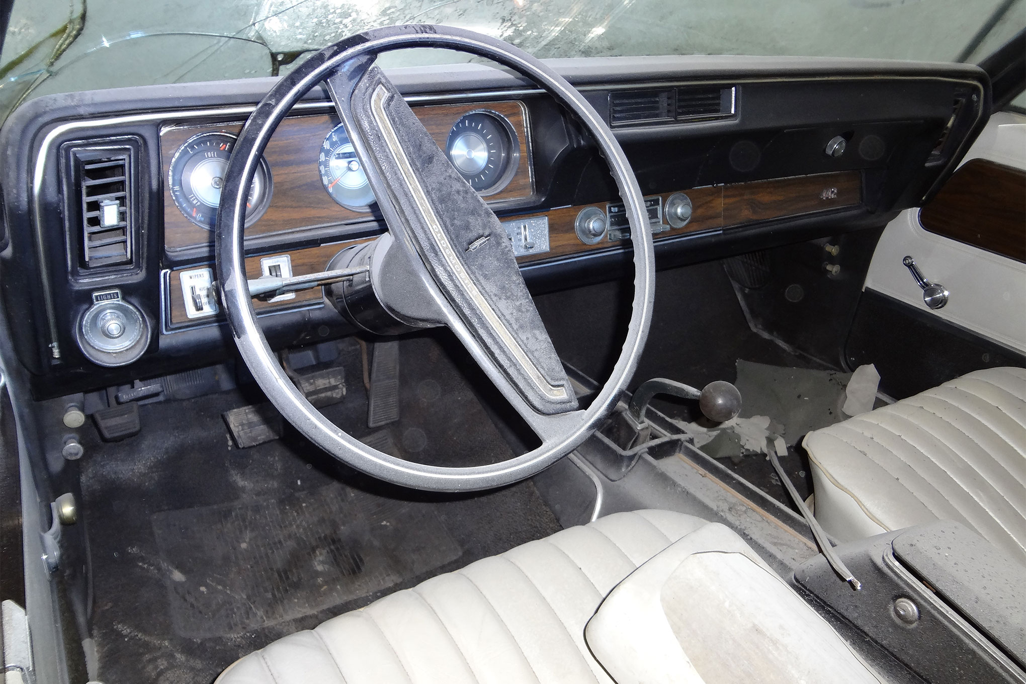 1971-oldsmobile-442-convertible-dash-view