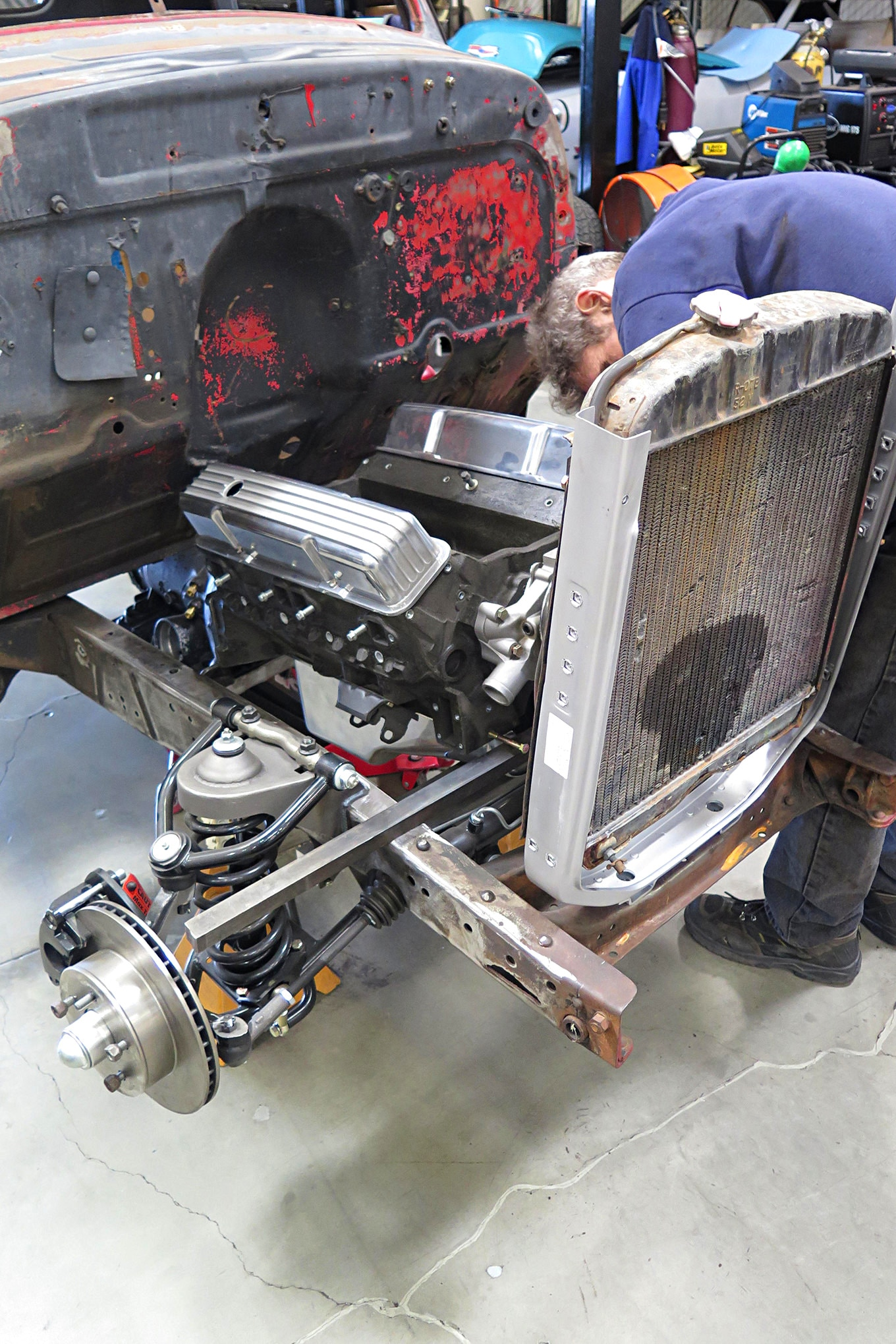Mounting an engine in a 1949 Chevy-05.JPG