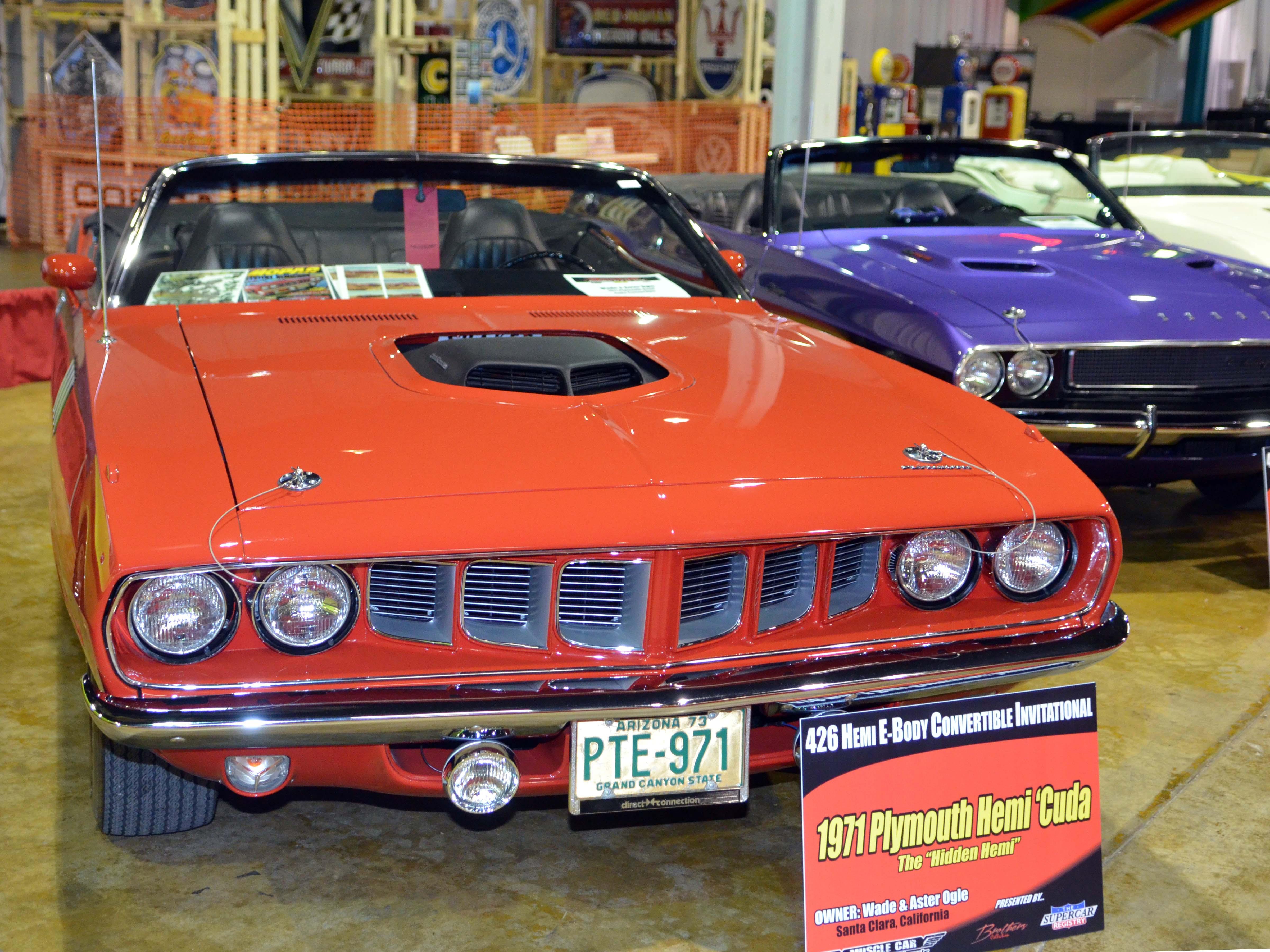 1971-hemi-cuda-convertible-orange-ogle