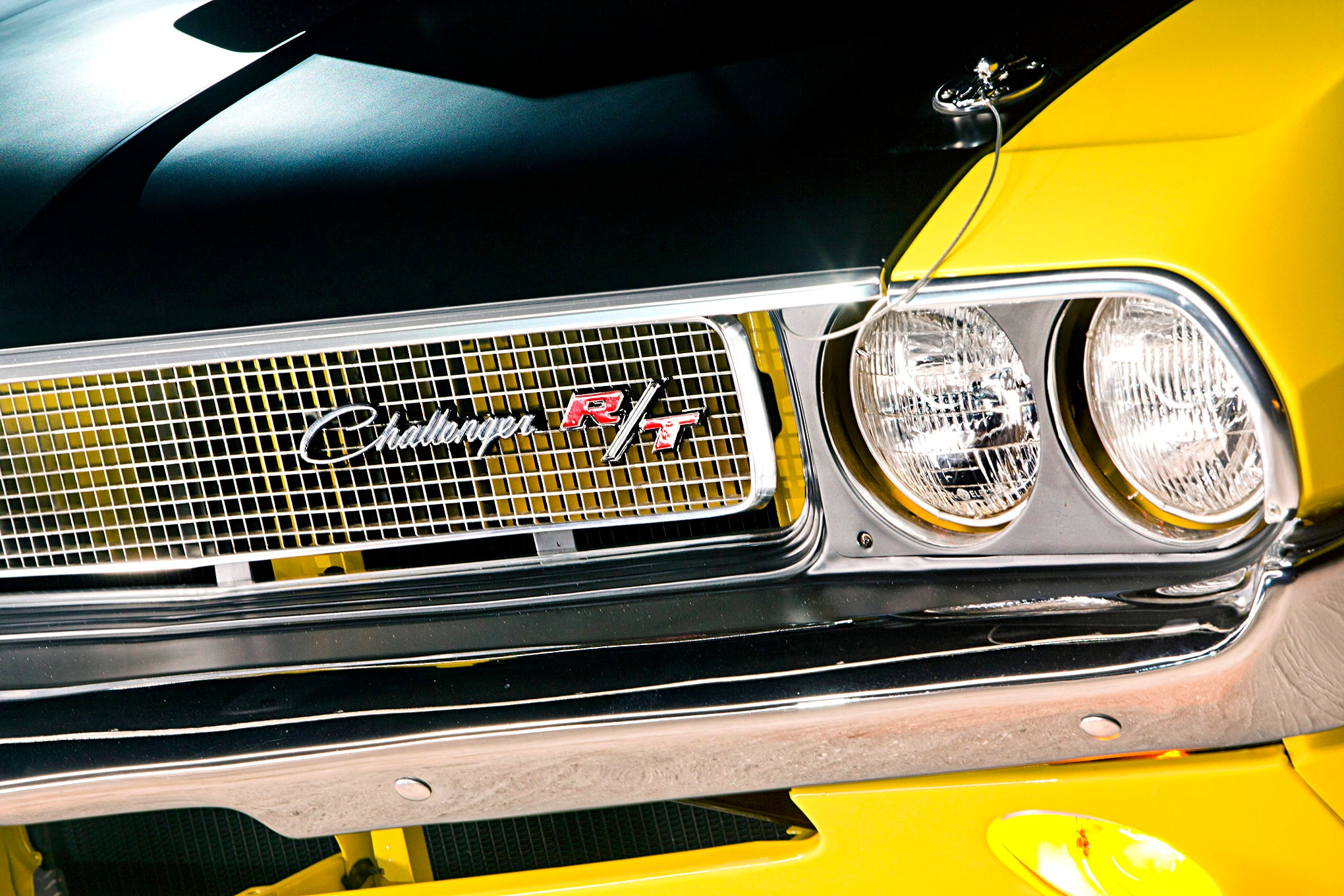 1970-dodge-challenger-rt-headlight-grille-closeup