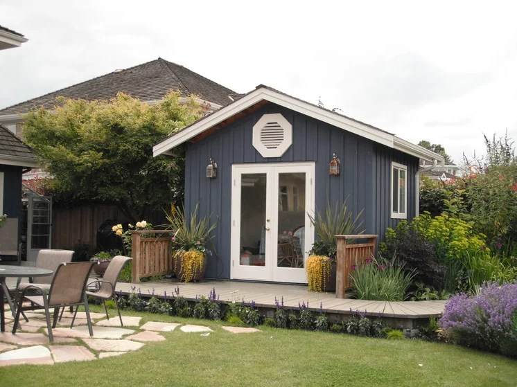 Traditional Garage And Shed by Glenna Partridge Garden Design