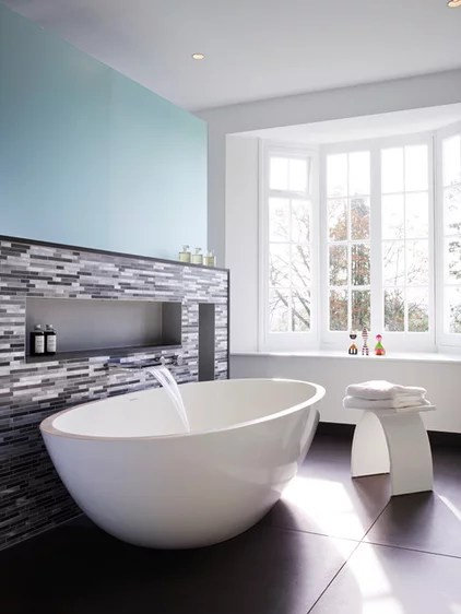 Contemporary Bathroom by SAPPHIRE SPACES