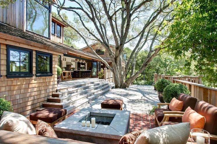 Transitional Deck by Urrutia Design