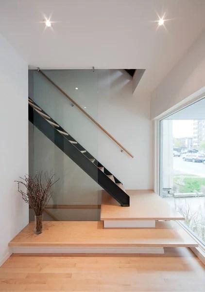 Contemporary Staircase by Colizza Bruni Architecture Inc.
