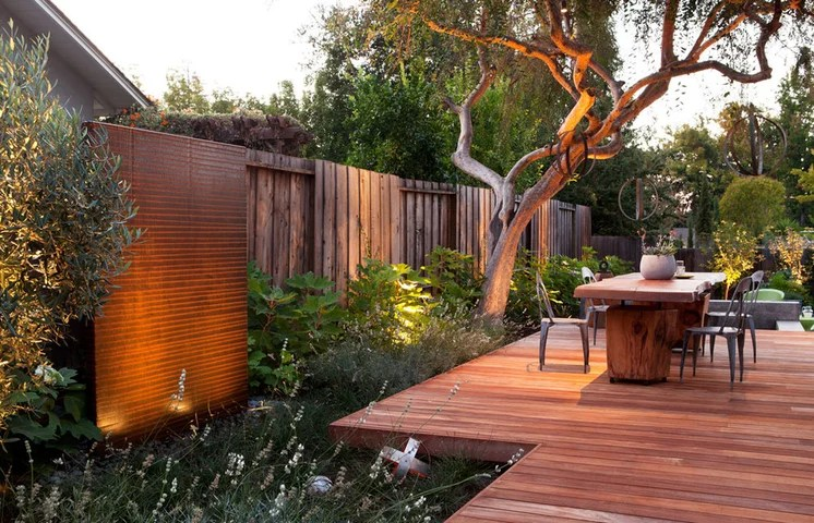 Contemporary Deck by Arterra Landscape Architects