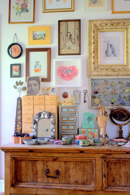 Art wall eclectic bedroom