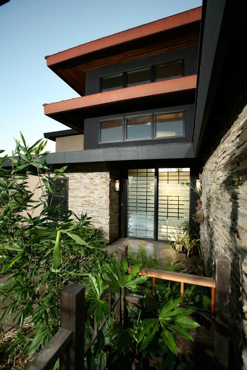 Bendel-Daniels House asian exterior
