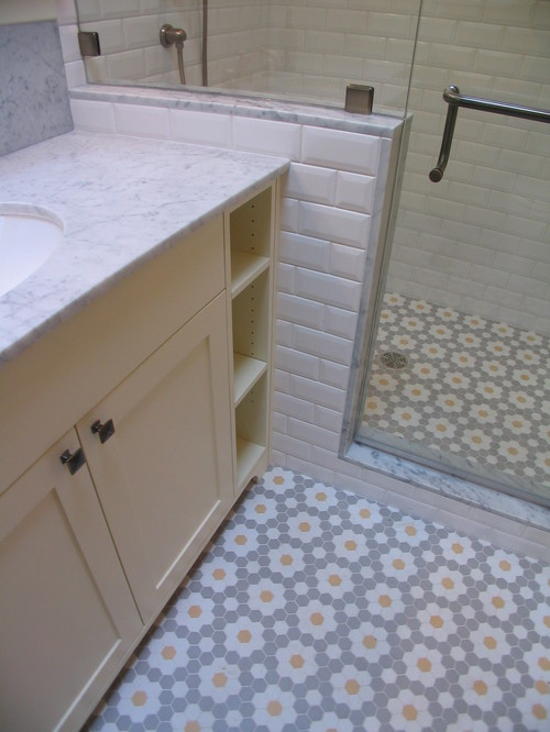 traditional bathroom by Nazim Nice