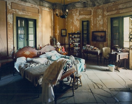 eclectic bedroom Elegance & Decay