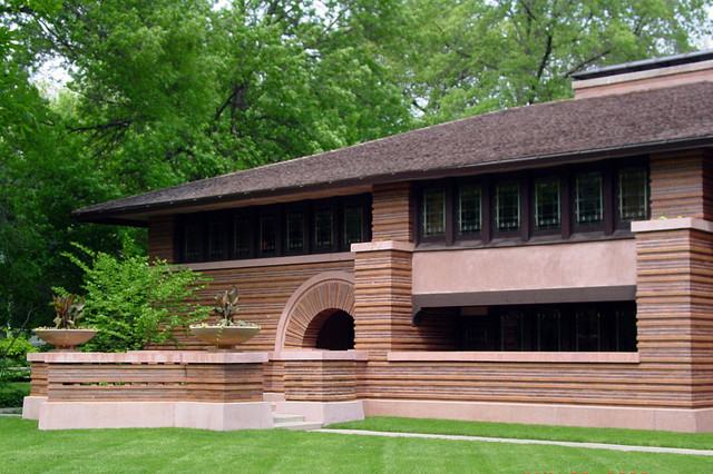 exterior Huertley House in Oak Park Illinois, designed by Frank Lloyd Wright in 1902