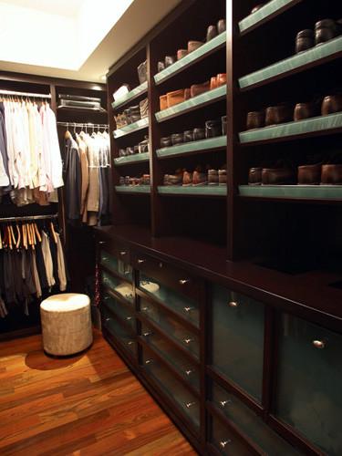 Richens Designs - Residential: Bathroom Design contemporary closet