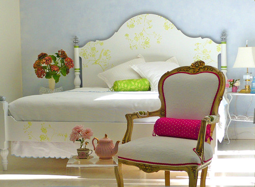 dominomag- eclectic pastel bedroom eclectic