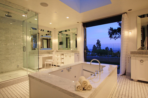 Globus Builder contemporary bathroom